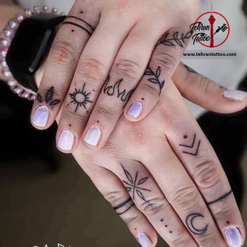 طرح تاتو روی انگشتان دست
